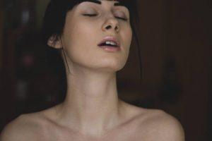 Pulire le impurità della pelle