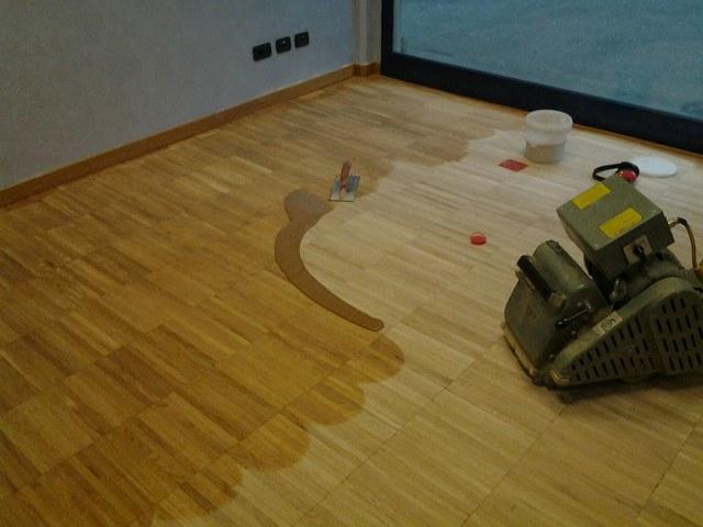 lamare il parquet senza dislocare i mobili altrove